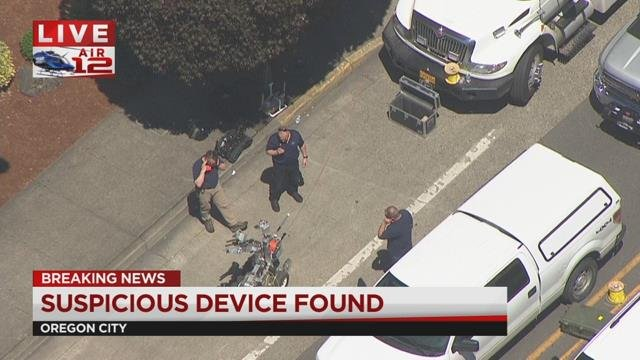 Police close Oregon City Transit Center, nearby roads due to suspicious device
