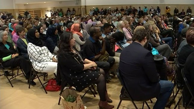 Hundreds gathered at an interfaith memorial service Sunday to honor the three victims stabbed on the MAX train. (KPTV)
