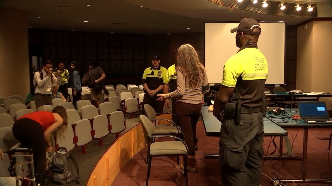 Activists wanting to debate TriMet security policies placing armed police on buses and trains held up a board meeting Wednesday after the board members tried to move past the topic. (KPTV)