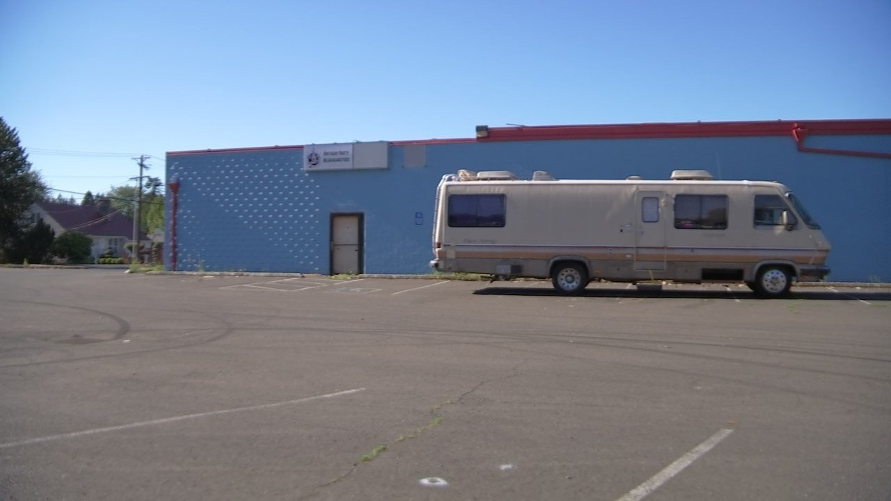 Motorhome at abandoned former bowling alley in southeast Portland. (KPTV)