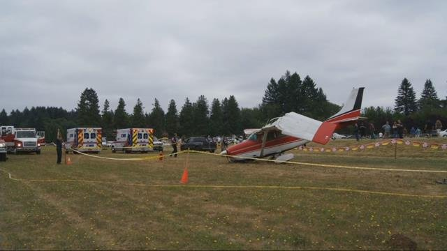 Small plane makes crash landing at Sandy airfield, two injured