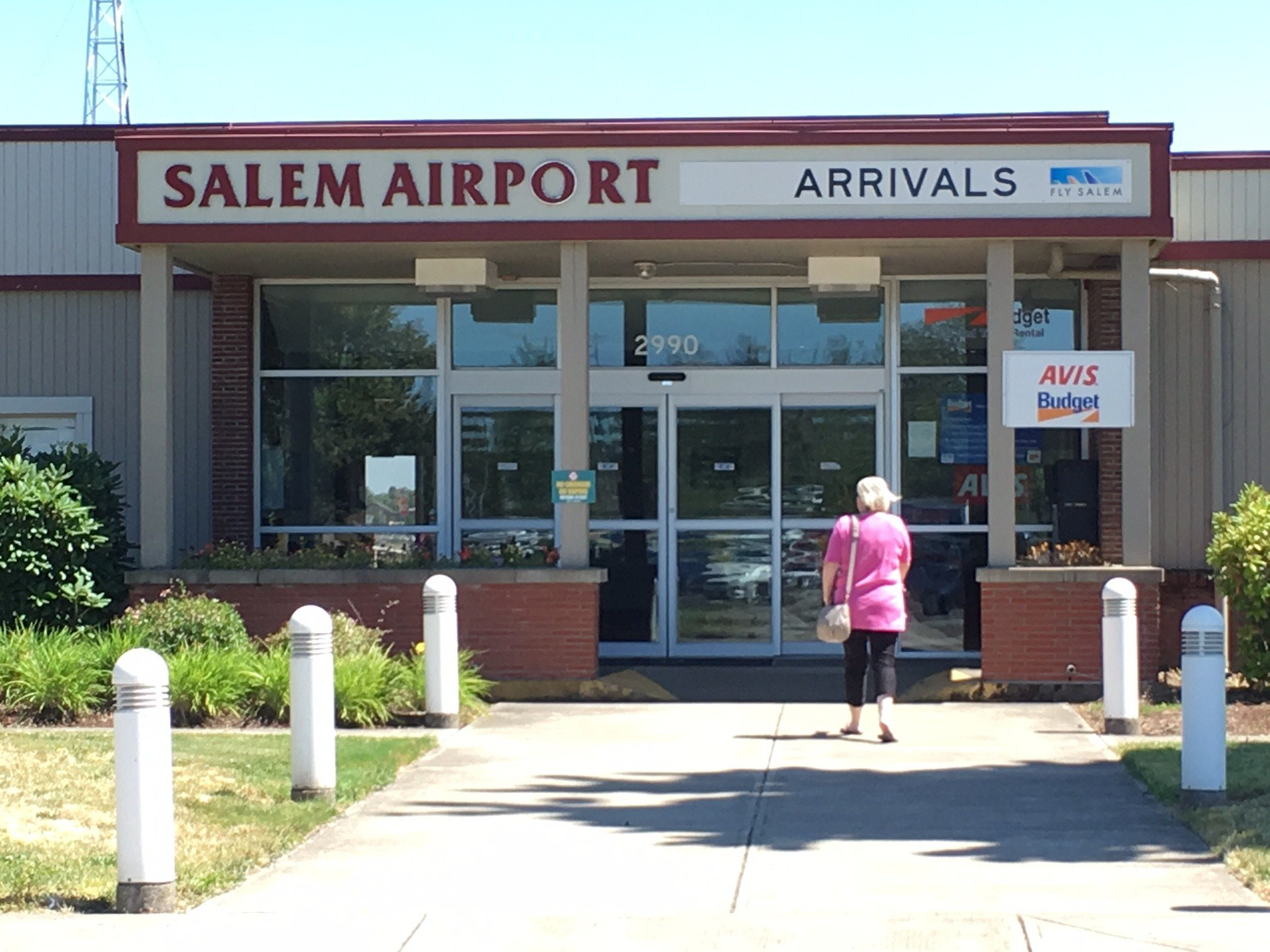 The main entrance at the Salem Airport.