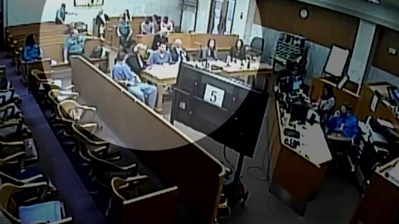 Man caught on camera smoking pot in Multnomah Co. courthouse - KPTV - FOX 12