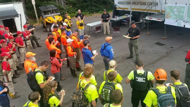Crews from numerous agencies assisted in the search efforts. (Photo: Linn County Sheriff's Office)