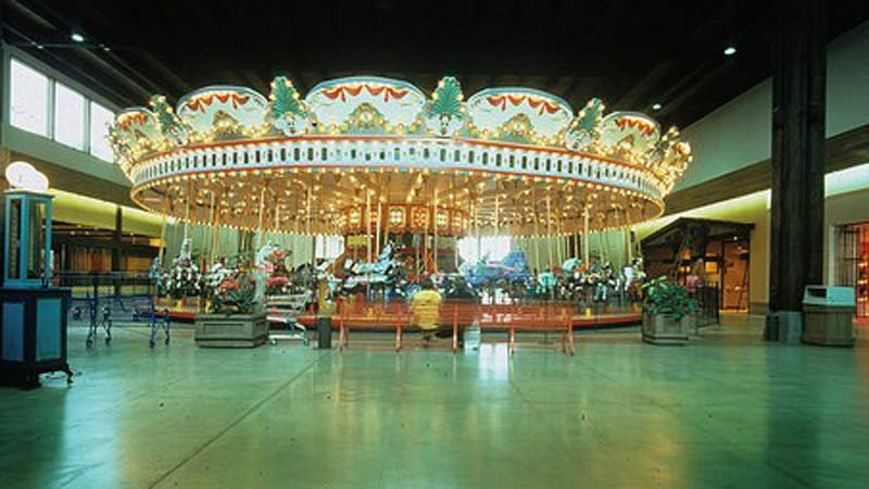 Carousel when it was running at Jantzen Beach Center. (Image: Restore Oregon)