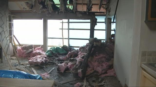 Lightning strikes, damages condo in Depoe Bay