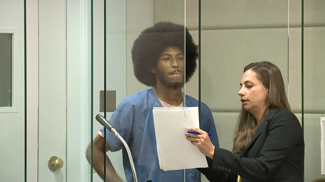 Shalondre Adams in court Monday (KPTV)
