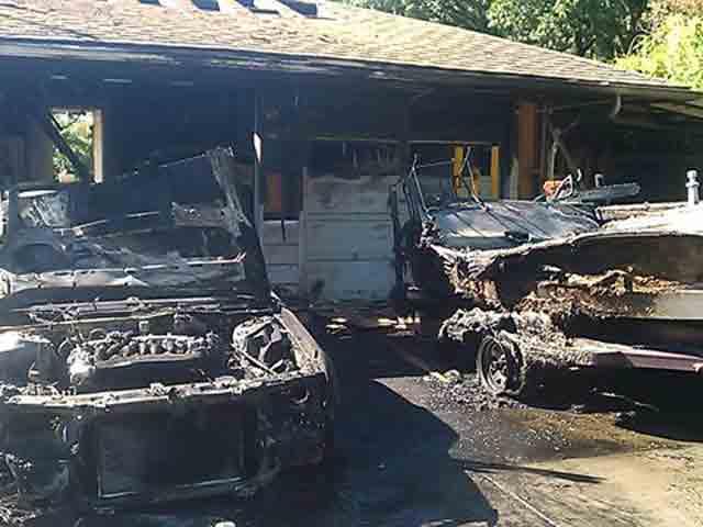 Milwaukie area fire damages boat garage kptv fox 12 for Boat garages