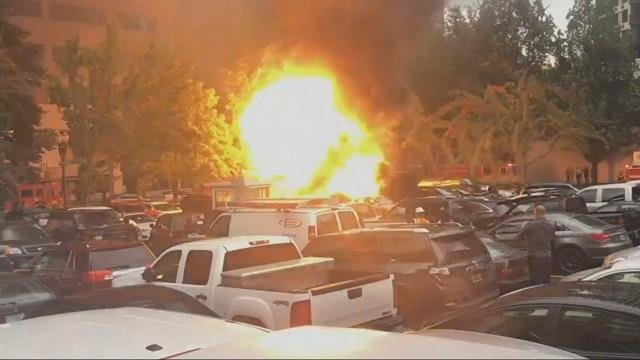 Two food carts, 10 vehicles damaged after fire in downtown Portland