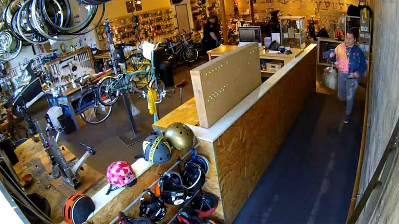 Surveillance image from Clever Cycles (KPTV)