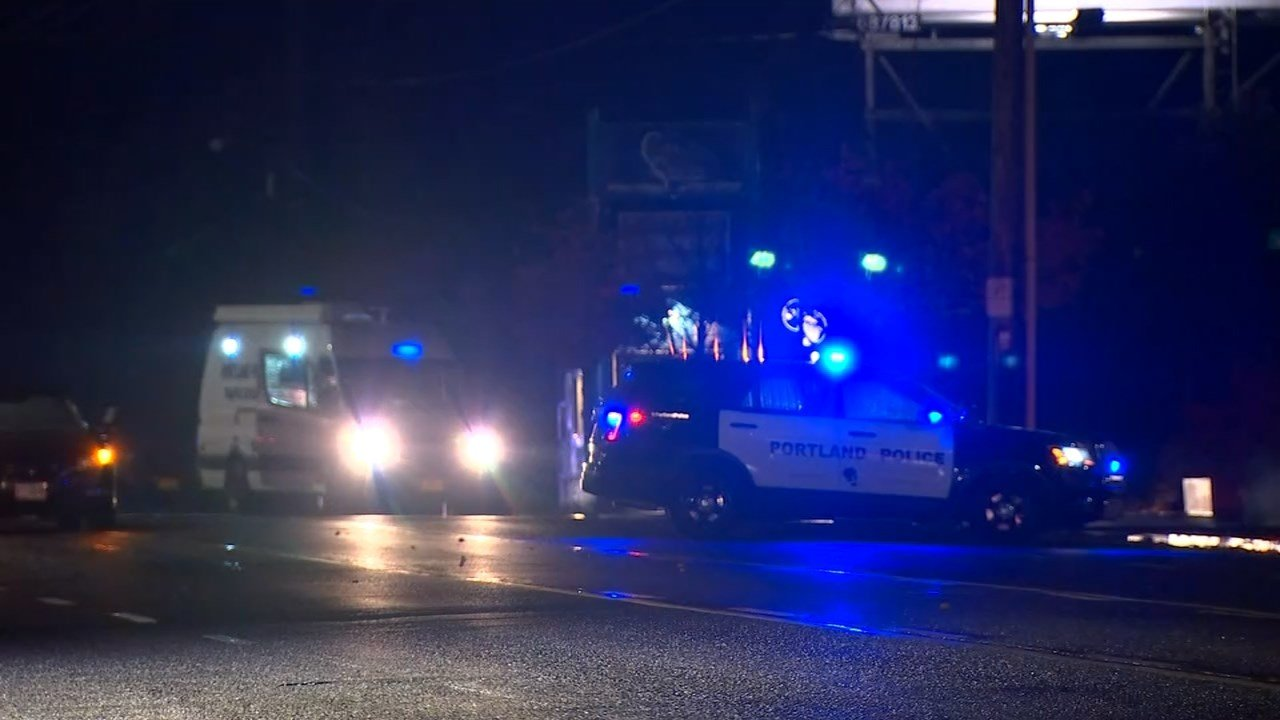 Pedestrian killed on I-5 identified as Portland woman