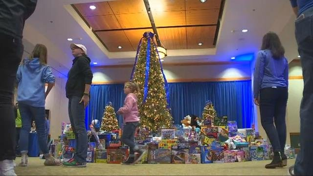 Intel employees donate hundreds of toys to FOX 12 Toy Drive
