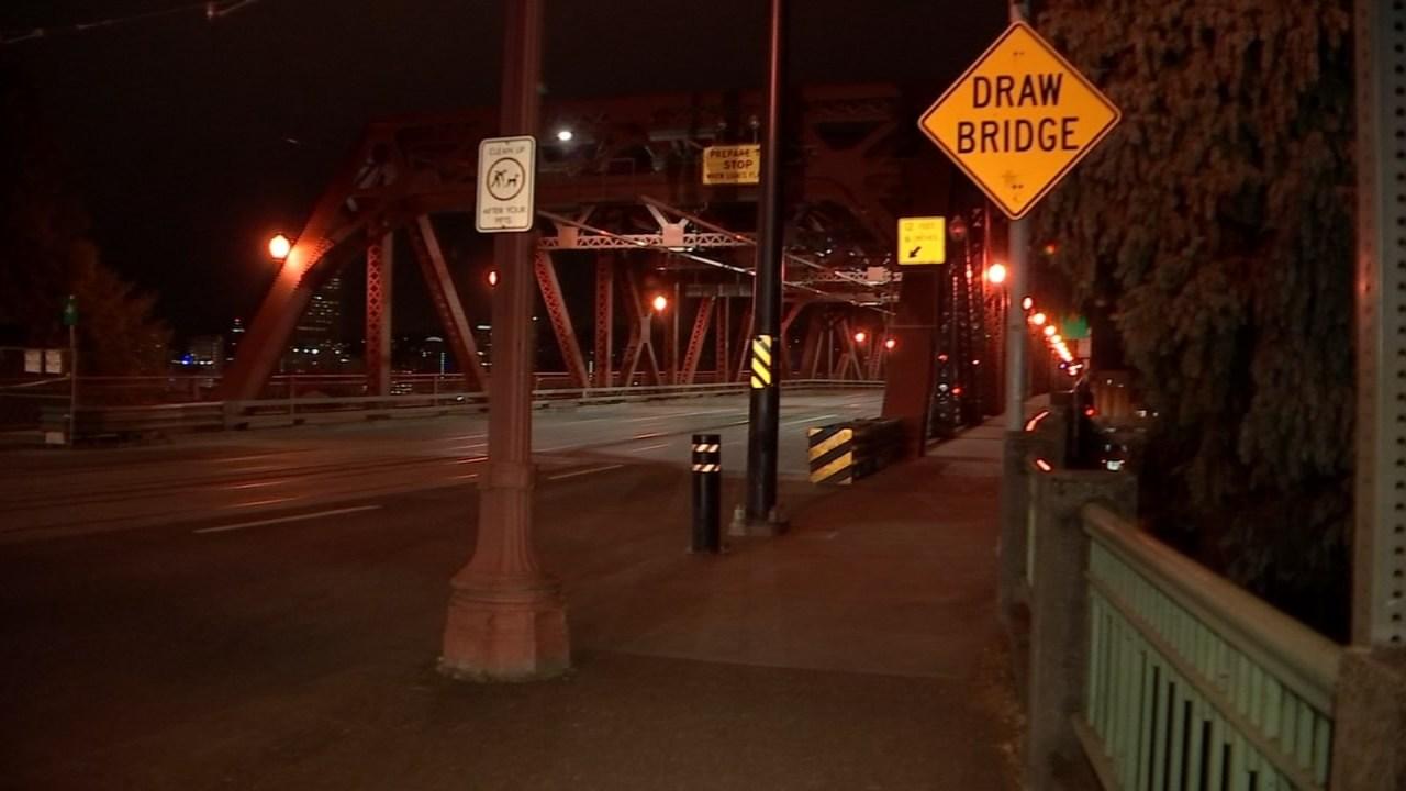 Broadway Bridge (KPTV file image)