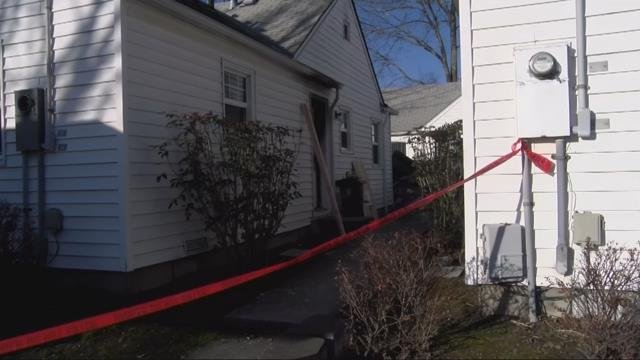 Woman dies following early-morning house fire in Salem
