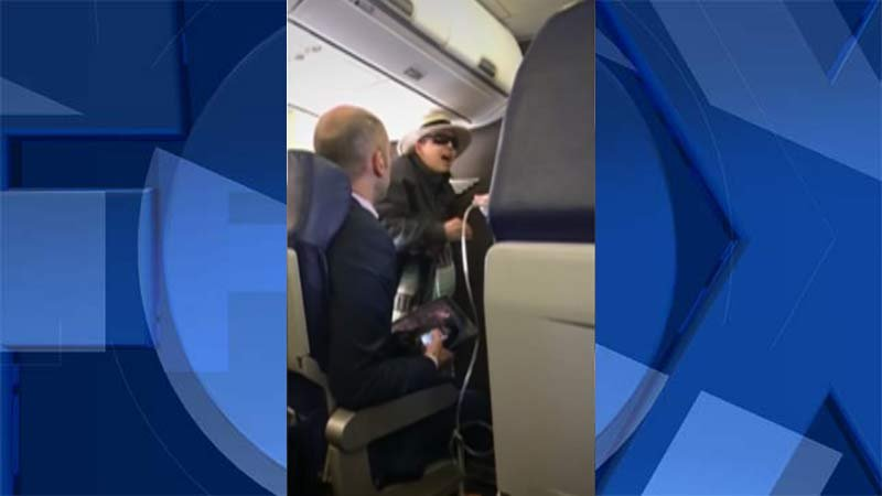 Woman arrested for smoking on airplane, threatening to kill fellow passengers