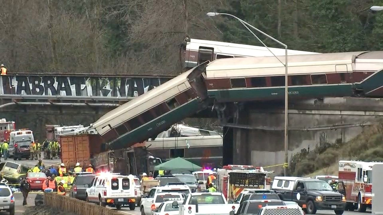 An Amtrak train derailed south of Tacoma on Monday. (Image: KPTV)