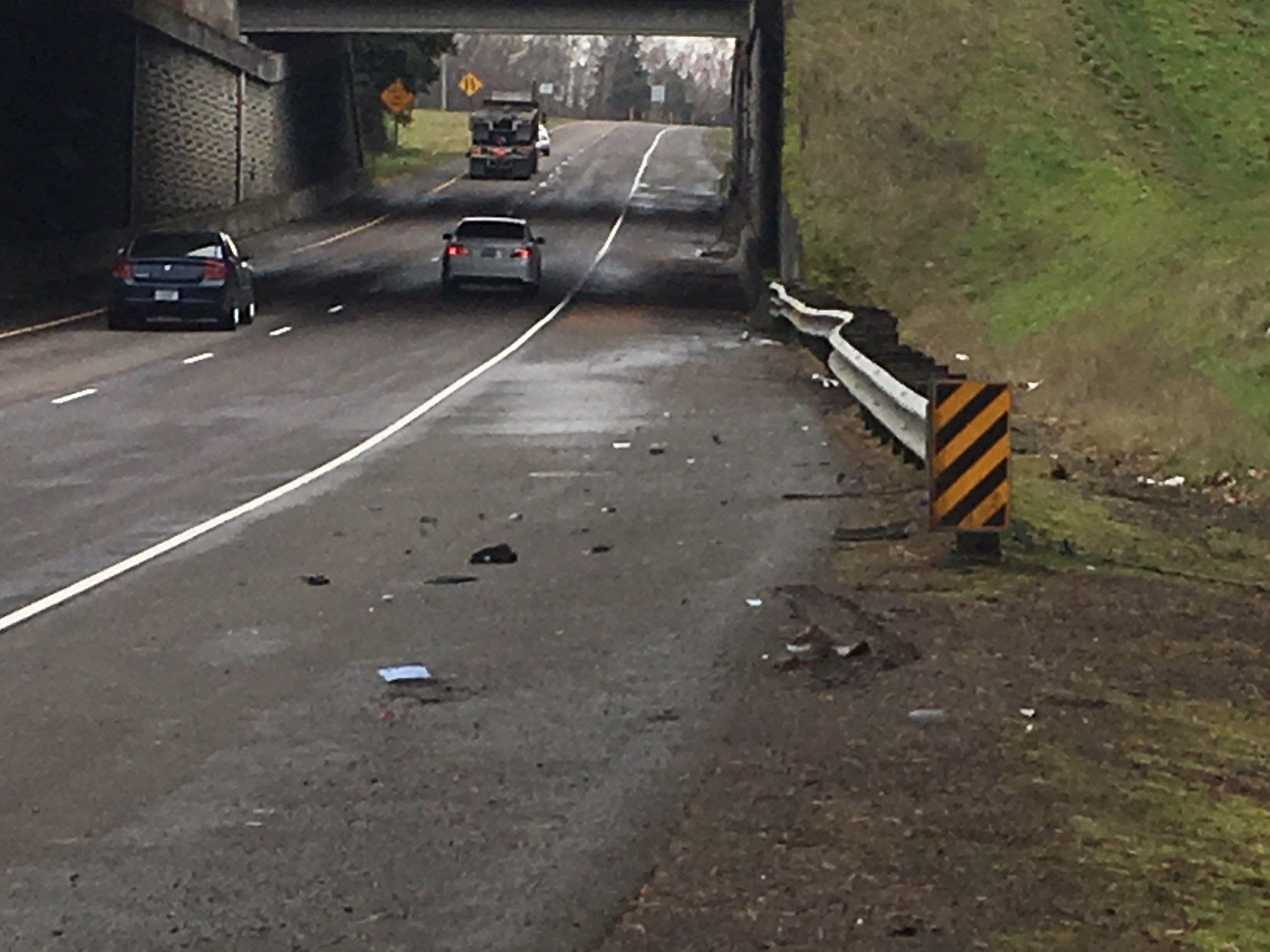 The site of Friday's crash off Highway 551 in Wilsonville (KPTV)