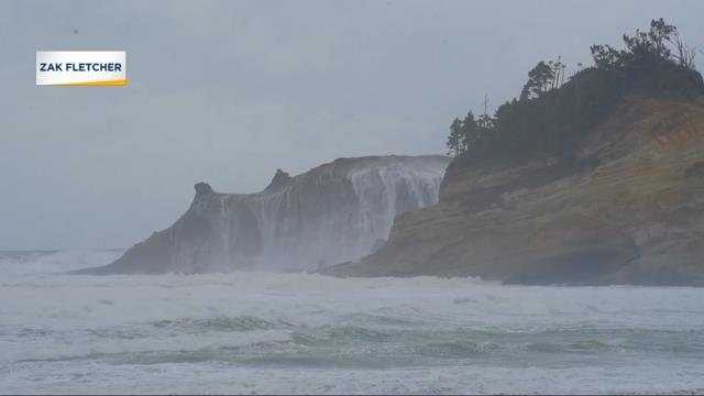 Storm watchers enjoy the show as Cape Disappointment slammed by heavy waves