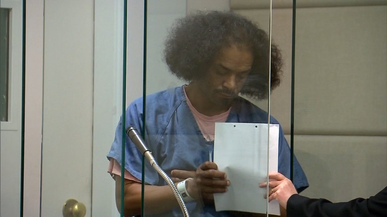Dameon R. Hooverrhodes in court (KPTV)