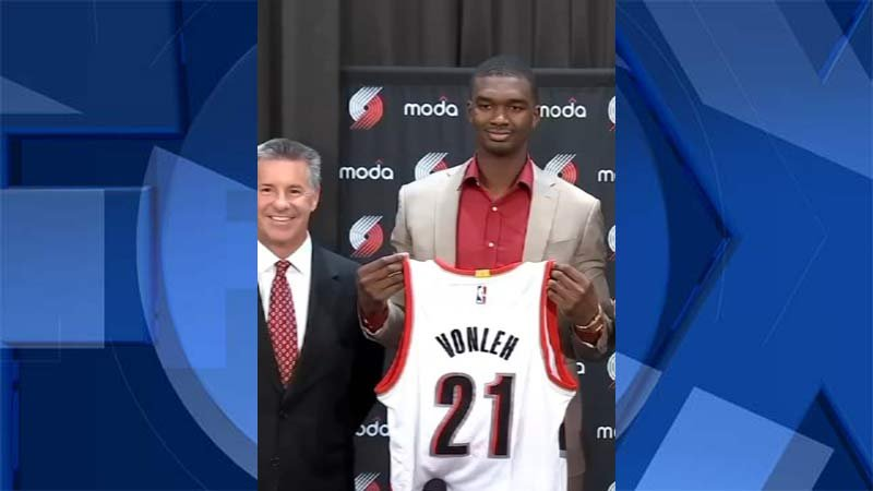 Trail Blazers general manager Neil Olshey and forward Noah Vonleh (KPTV file image)