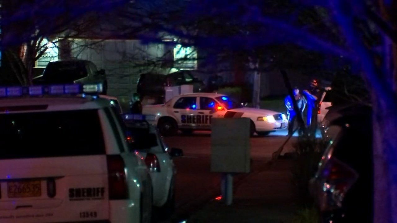 Shooting scene in Bethany neighborhood. (KPTV)