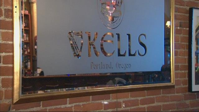 Kell's Irish Pub celebrates annual 'ceiling sweep'