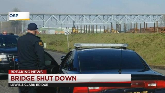 Police, Coast Guard investigating backpacks hanging from Lewis and Clark Bridge