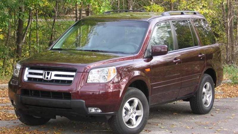 Image of similar Honda Pilot to suspect vehicle released by Washington State Patrol.