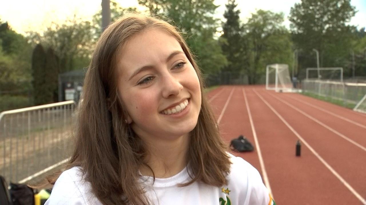 West Linn High School student Liz Lofurno (KPTV)