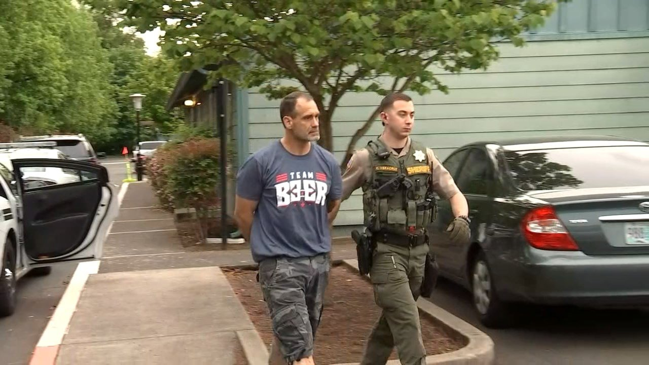 Suspect being arrested at the Seneca Terrace Apartments Wednesday morning (KPTV)
