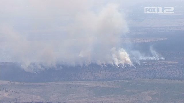 Lightning-caused wildfires burn thousands of acres in central Oregon