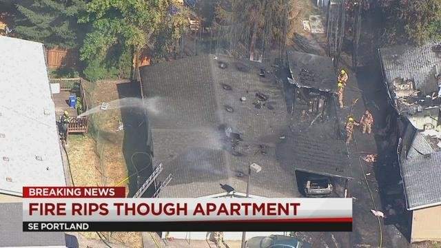 Cooking fire under carport burns manufactured homes in SE Portland