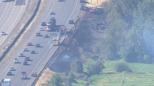 Wildfire burns about 10 acres off I-5 near Kalama