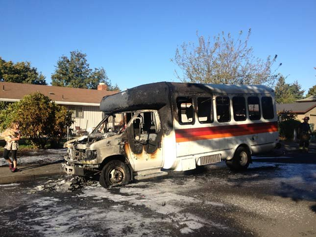 Trimet Bus Destroyed By Fire In Aloha Kptv Fox 12