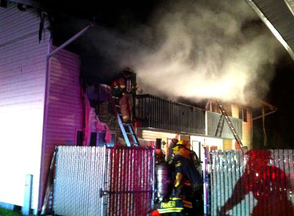 families escape early morning apartment fire kptv fox 12
