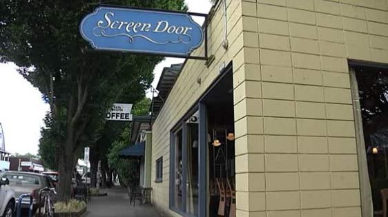 Just because we enjoy Portland restaurants like Screen Door doesn't mean we're food snobs. Right?