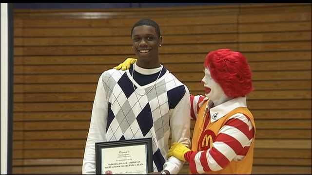 Terrence Jones accepts his McDonald's All-American award at Jefferson High School in Portland. (File photo)