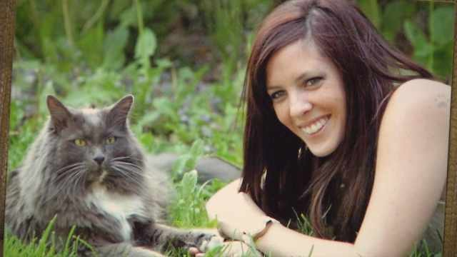Chelsa Shelton and her cat Bubba Dale