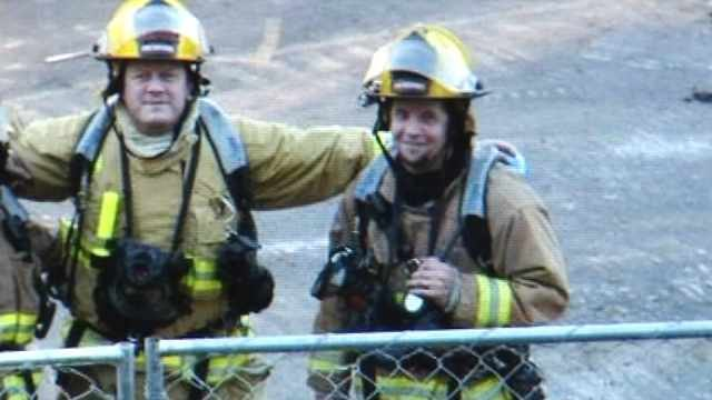 Waldport firefighter to lose leg to cancer