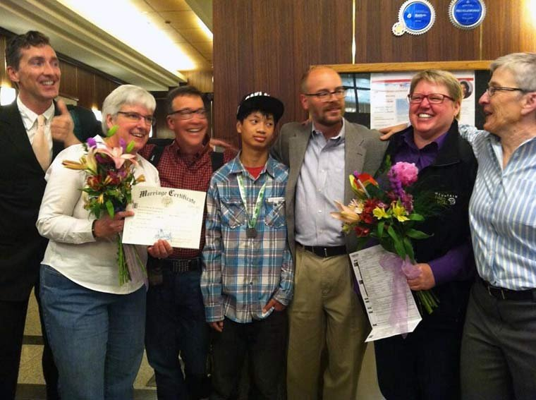 Plaintiffs Deanna Geiger and Janine Nelson became the first couple to receive a same-sex marriage license in Multnomah County.