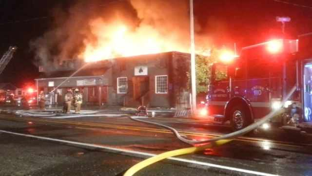 Fire at Baileys Pub and Grub and Currinsville Market in Estacada. June 2014.