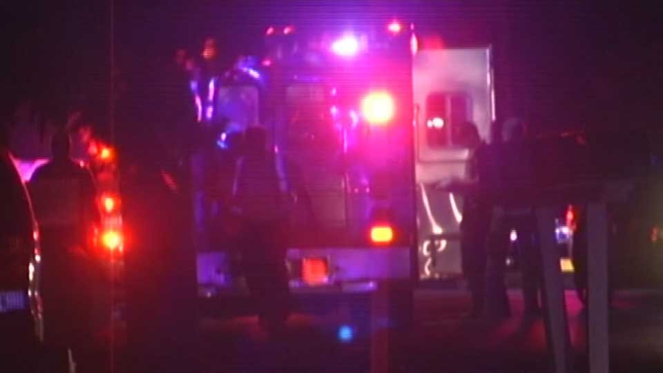 Two hurt in shooting outside Salem Red Robin restaurant