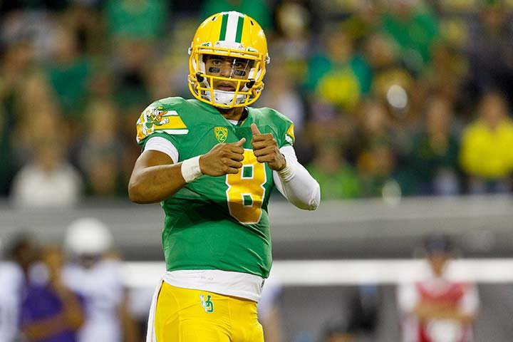 Oregon Ducks quarterback Marcus Mariota delivered the Top 10 list on The Late Show with David Letterman on Monday night.