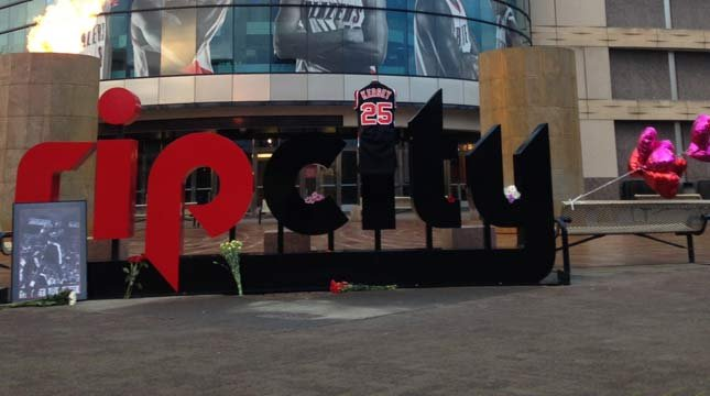Memorial forming for Jerome Kersey on Rip City sign outside Moda Center
