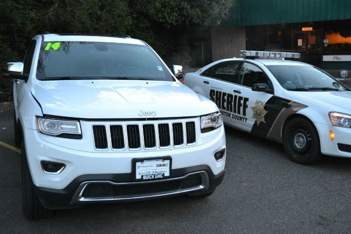 A sheriff's deputy responded to the Jeep stop and recognized the SUV as a suspect vehicle from a gas station burglary.