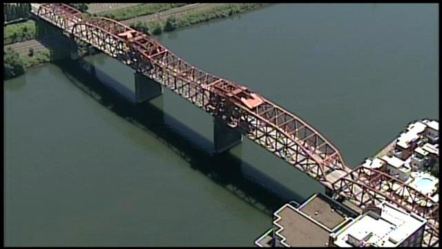 Broadway and Morrison Bridge closed over weekend