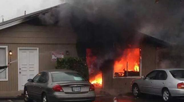 October 2014 apartment fire in Keizer.