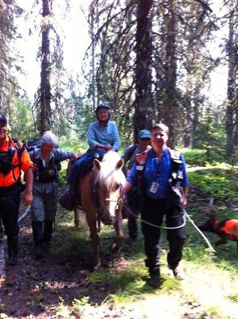 Photo: Rescue crews bringing Wasco Fujiwara in on horseback after she was found near Mount Adams. (Photo: Skamania Co. Sheriff's Office)