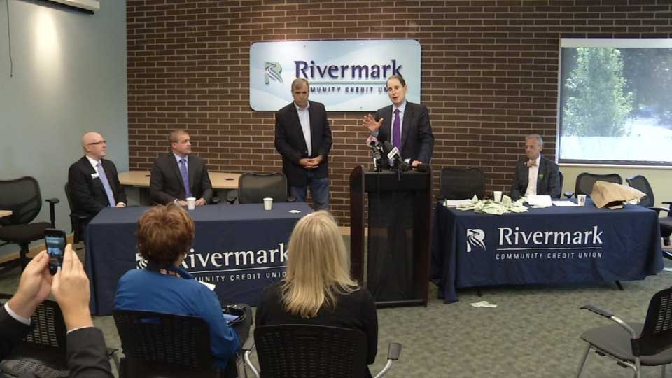 Senators Wyden and Merkley, along with Congressman Earl Blumenauer, discuss the proposed changes at Rivermark Community Credit Union in Portland