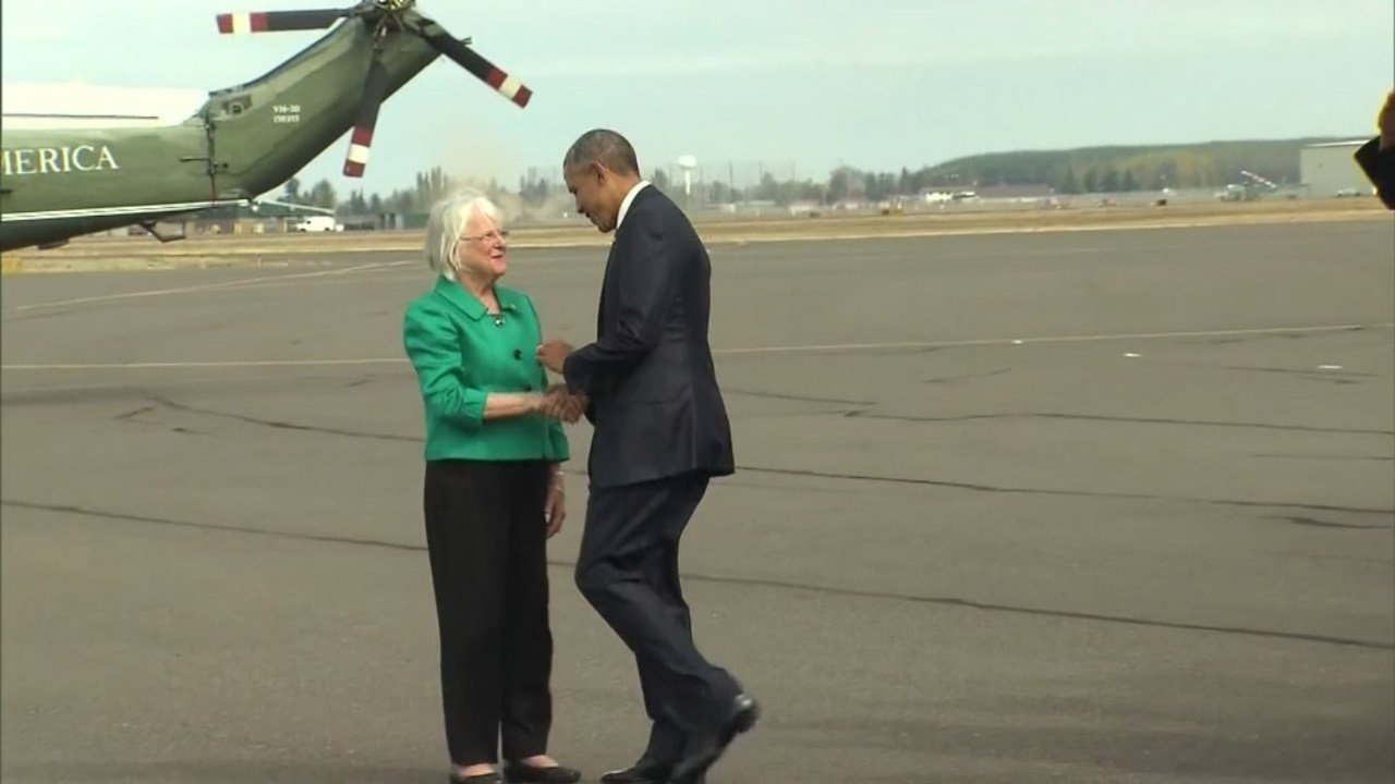 Mayor Kitty Piercy meeting President Obama.
